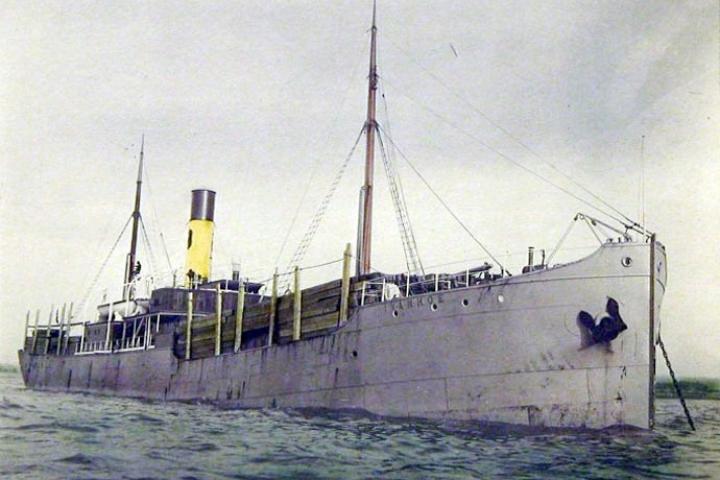 «Barentshavet 1916, ubåt forut!»